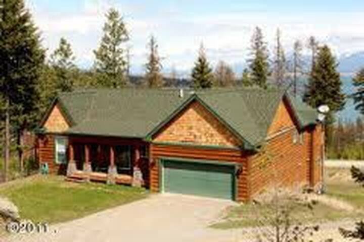 Majestic Home Above Flathead Lake - Lakeside - Dům