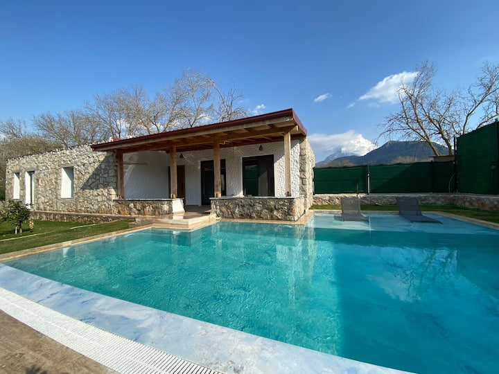 Villa Lavandas- Natural Stone House