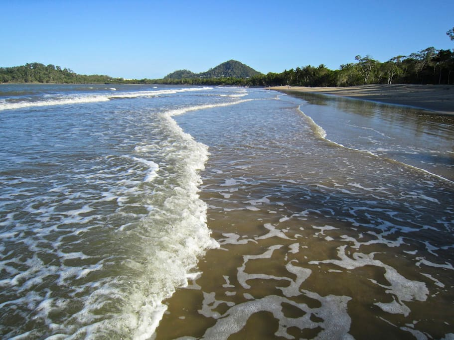 Apartment is located across the street from Palm Cove Beach