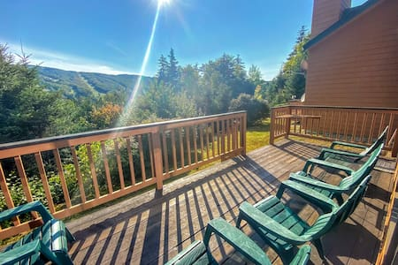 MWP22: Cozy 3BR Mt Washington Place Townhome; gorgeous views of Bretton Woods Ski Area; WiFi, Cable, Shuttle, Professionally Managed