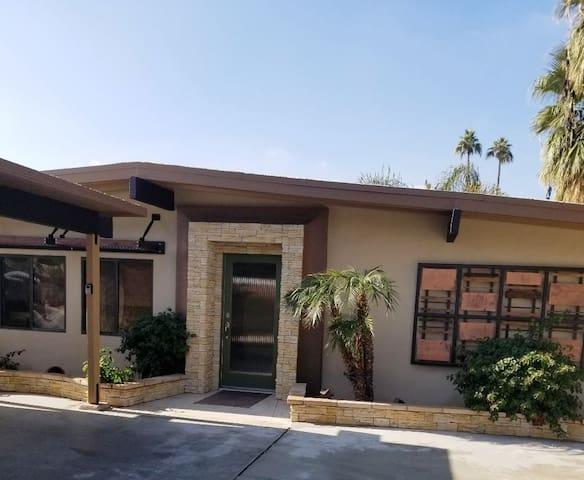 Rancho Mirage - Bob Hope Midcentury