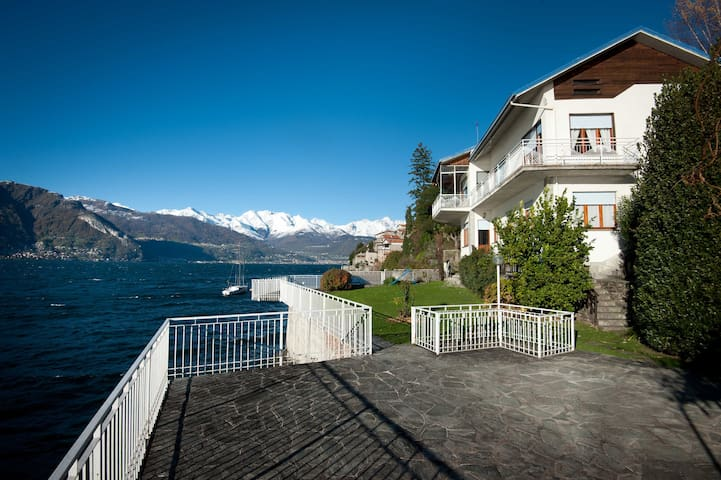 Villa Miki directly on lake Como - Dervio