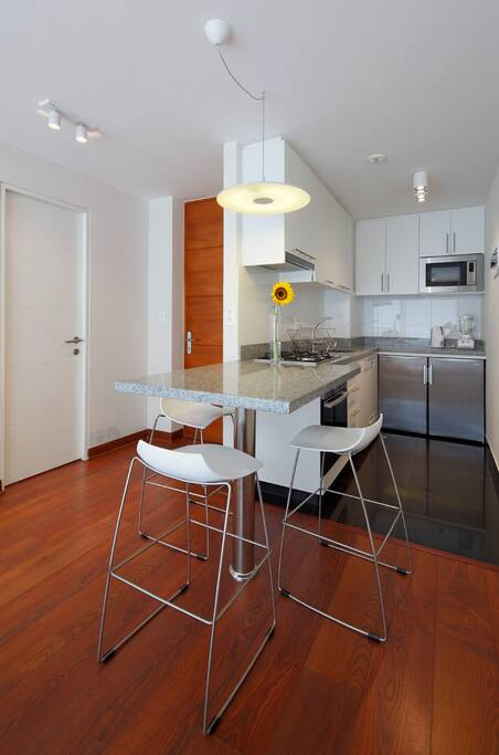 Apartamento de dise o en miraflores apartments for rent - Encimeras aki ...