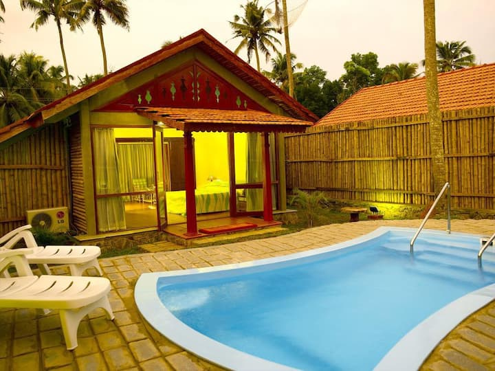 Exotic bamboo Villa with pool , Kumarakom - Kerala