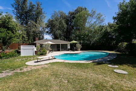 Mid Century Guest House with Pool - Pasadena - Haus