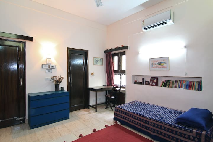 Comfortable homestay in south delhi - New Delhi - Apartment