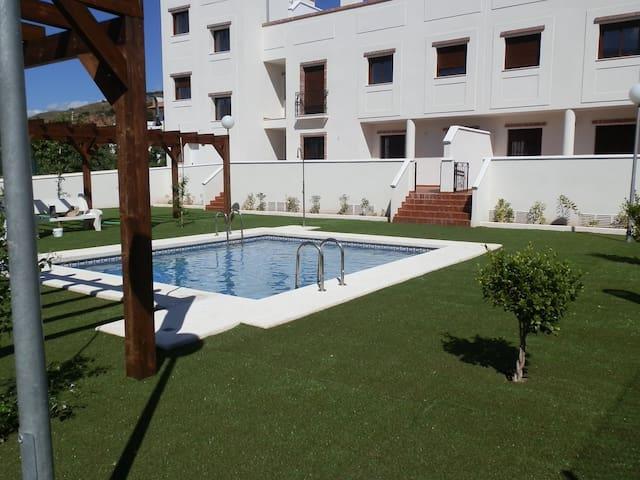 Apartamentos en Plaza de Benecid.Casa B terraza - Benecid - Departamento