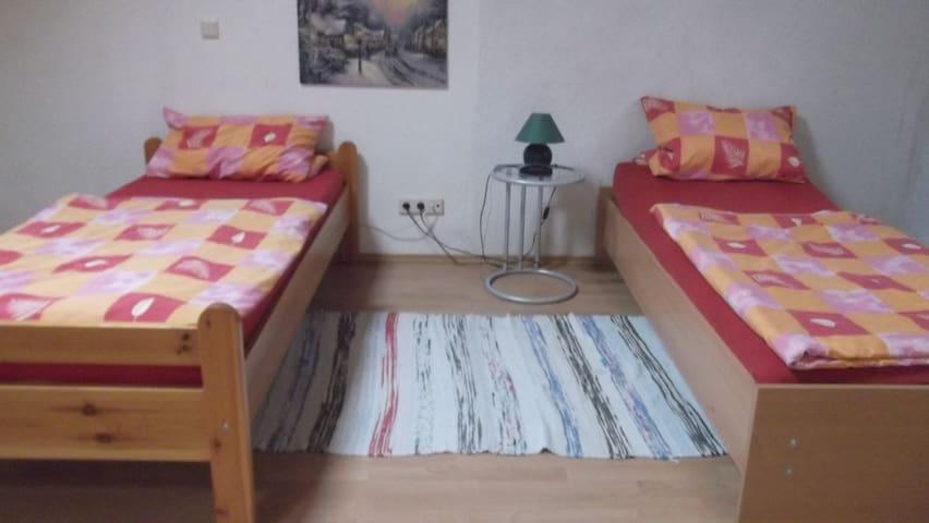 Zimmer für 2 Personen 1. OG - Dannstadt-Schauernheim - Appartement
