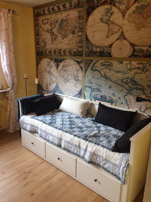 Wohnzimmer (ausziehbares Gästebett)