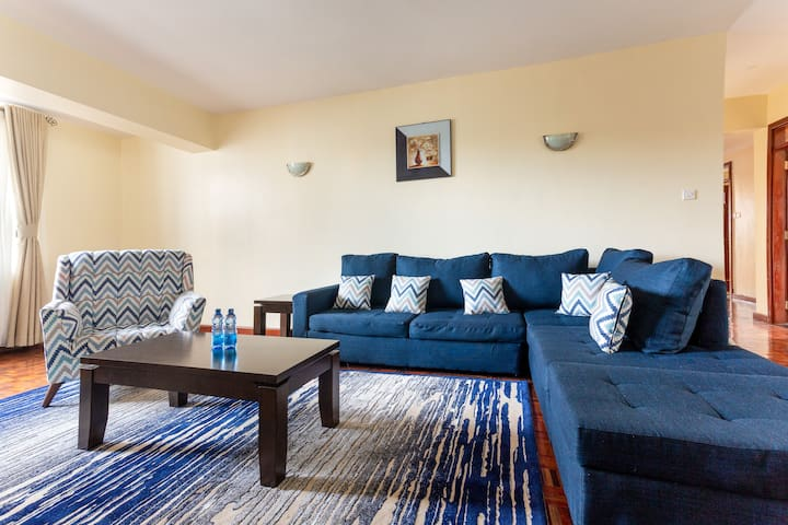 Exclusive 3 bedroom w/parking near Yaya Centre