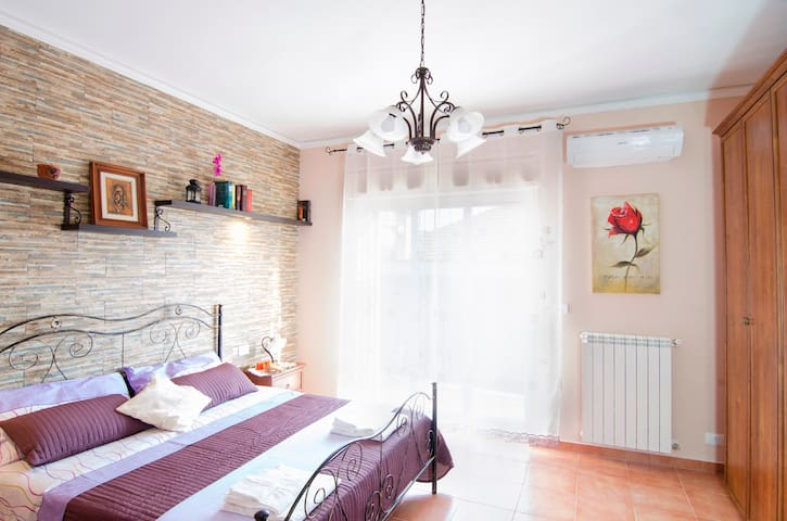 Close to autostrada, beach and parking included