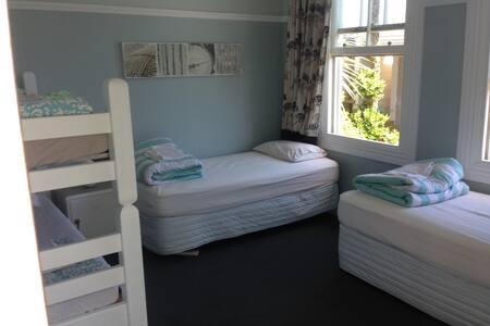 Trip inn Hostel - Westport