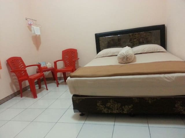Makarios Guest House