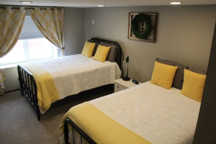 """Double Beds with 32"""" LED Television"""