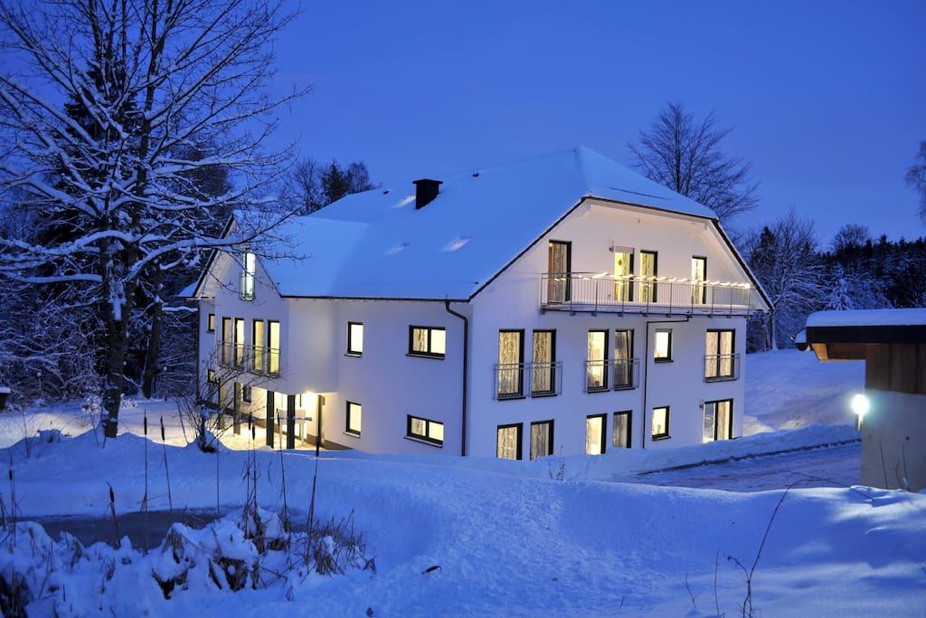 Gebäude im Winter