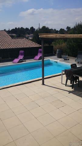 Belle villa de 200 m2 - Aramon - Villa