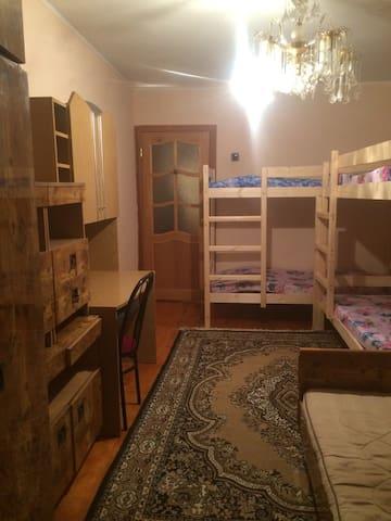 Комната 5-местная с балконом (1 фото).