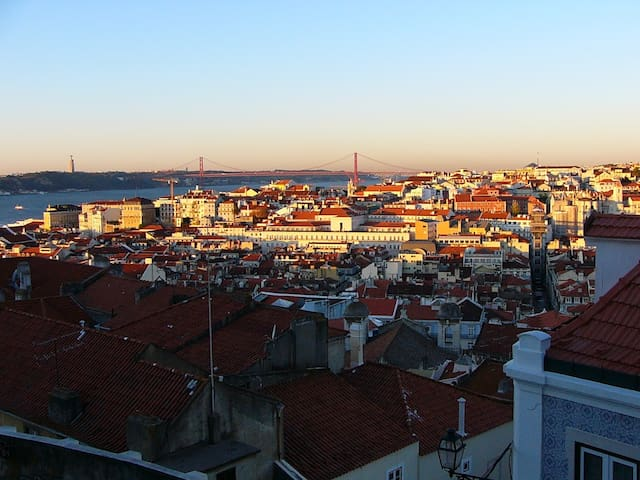 Lisbon Apartment-  Amazing Views