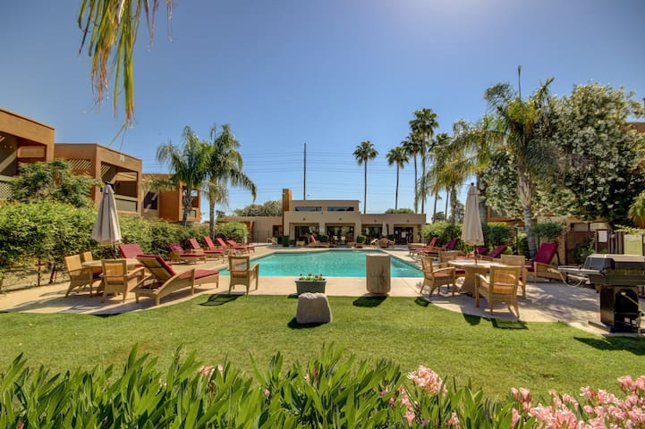 Tranquil 2 bedroom Old Town Scottsdale condo