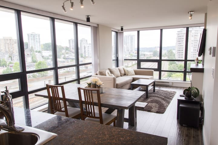 Private Room in Modern Condo New Westminster Quay - New Westminster