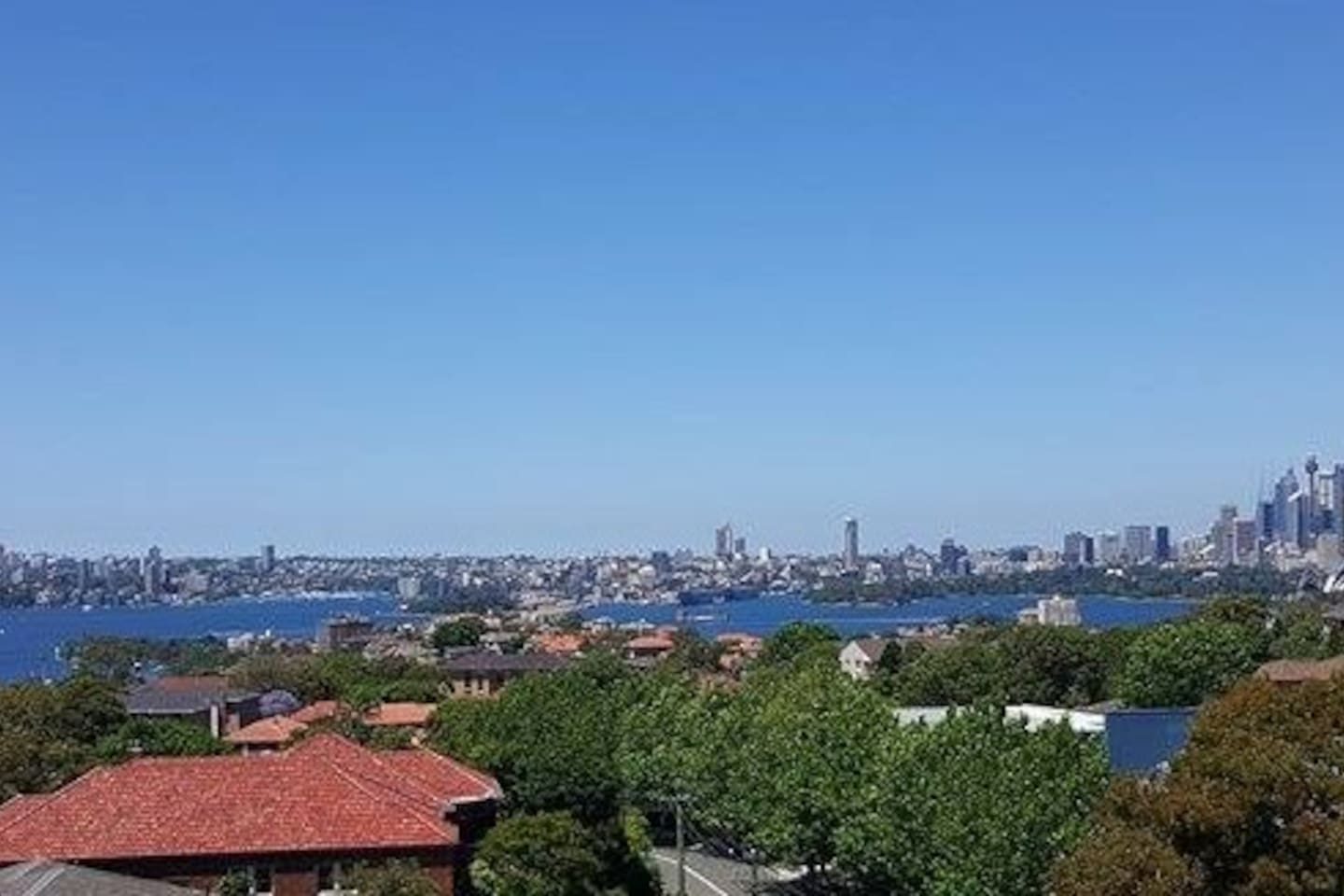 Amazing views of the harbour, the opera house and the harbour bridge. Watch the fireworks from the balcony!