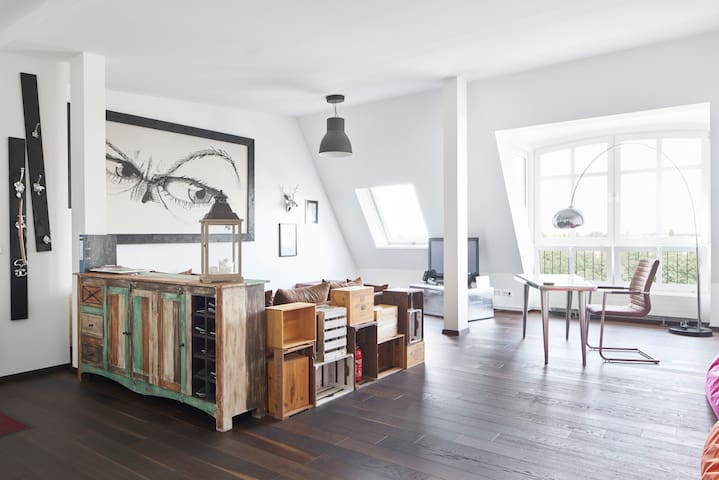 Well connected design loft for families or couples