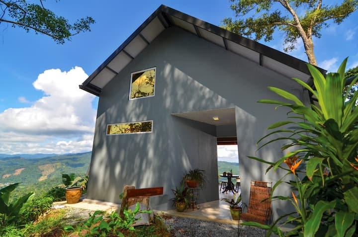 Tamparuli +JuJu Cabin with mountain view