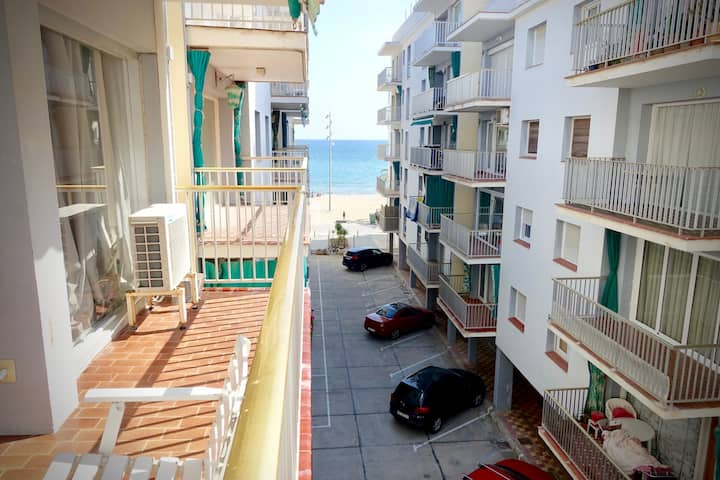 Seaside Rental - by the beach and train station