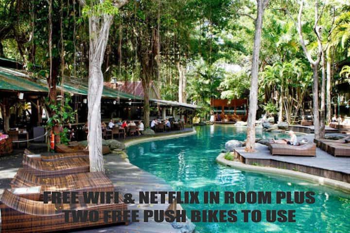 Ramada Resort~Wifi/Netflix & 2 Bikes 🚲 C217