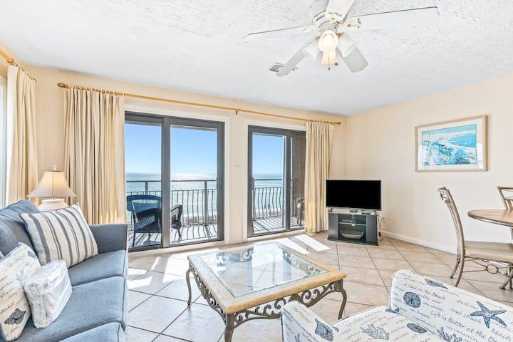 Second Floor Condo! Many Amenities, Beach Access, Beach Equipment Included