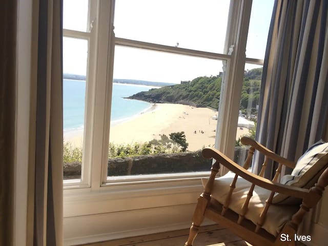 Terrazzo - Amazing Sea Views & Parking in St.Ives