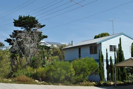 Osprey Lookout Guilderton Beach House - Guilderton - Apartament