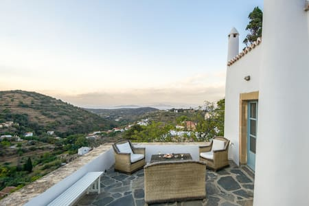 Enchanting 19th century villa with sea view