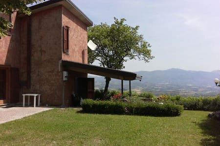 Casa spaziosa con vista panoramica - Capitone