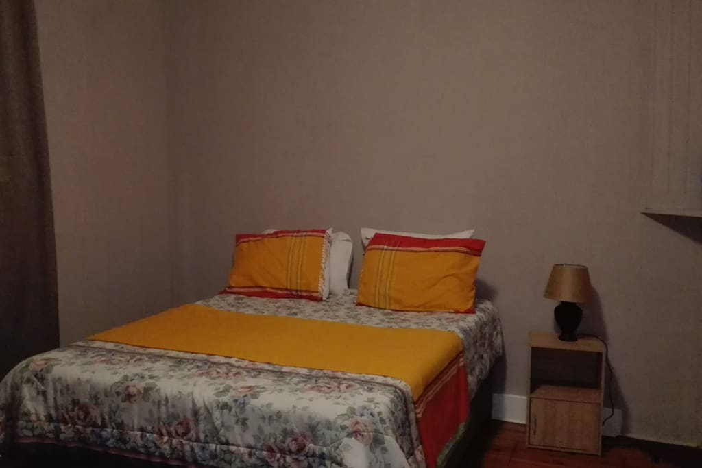 Cozy guest bedroom