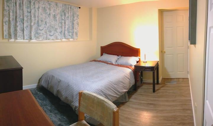 Brand new private room in Gordon Head