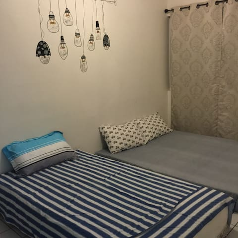 Double bedroom客厅海景双人房 - Hagåtña