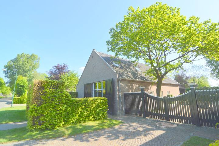 Spacious holiday home nearby the national park Loonse en Drunese Duinen