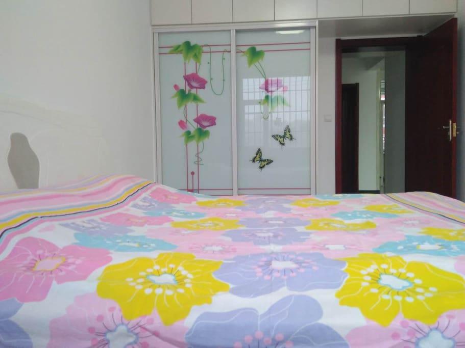 超大温馨卧室