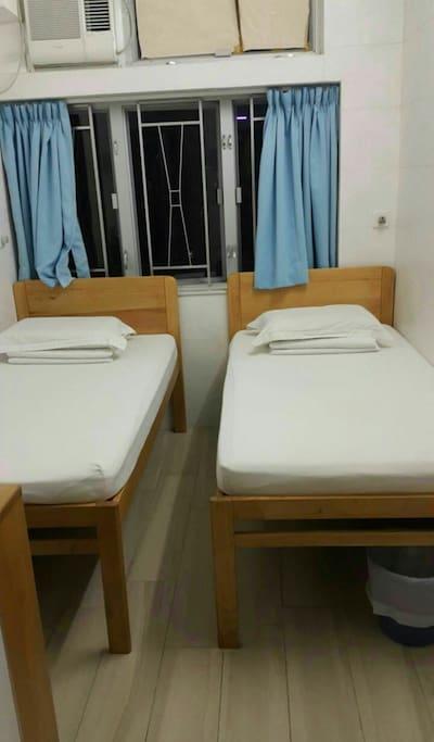 标准双床房间