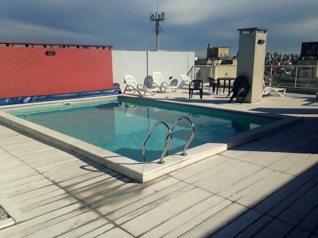 Depto c/ balcón, piscina y parrilla en Palermo