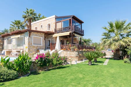 Villa with garden & pool in Bitez - Bodrum