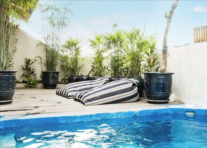 Super-Cool Rooftop Apartment Canggu - private pool