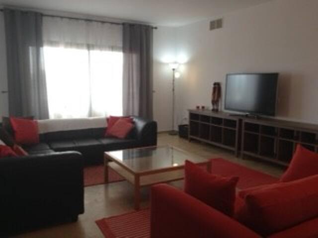 Stunning, beachfront 5* Apartment - La Duquesa - Lakás
