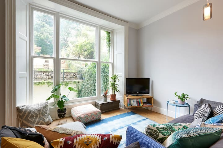New! Stylish flat in Clifton close to City Centre