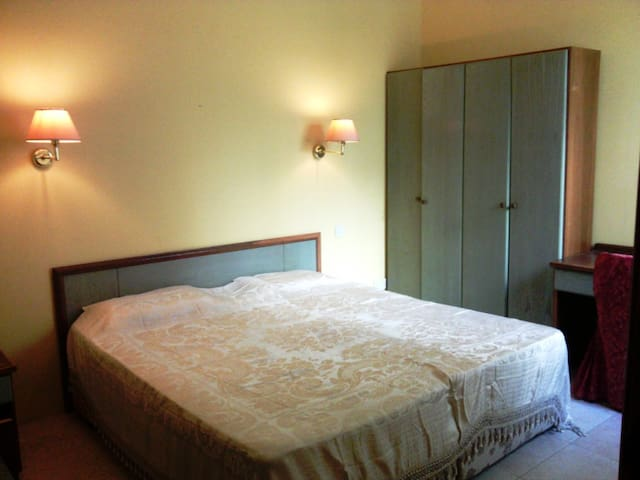 Shared Rooms for Short & Long Stay - L-Għarb - Huoneisto