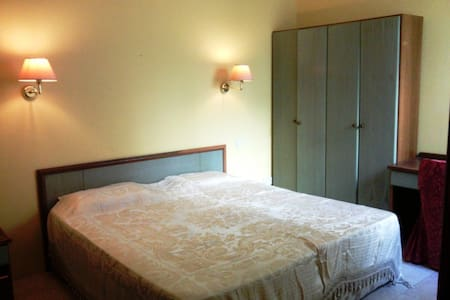 Shared Rooms for Short & Long Stay - L-Għarb - Leilighet