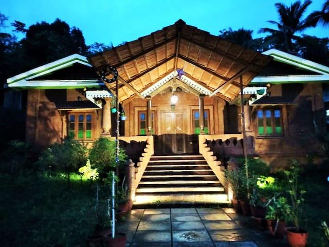 The Vintage Villa | near Anjuna, Baga & Calangute