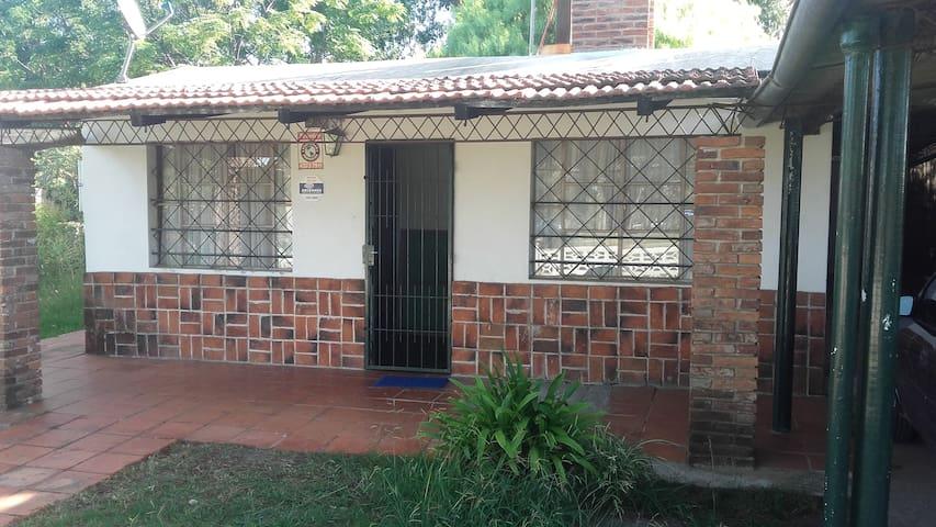 ALQUILER CASA EN BALNEARIO LOS TITANES URUGUAY - Los Titanes - Hus
