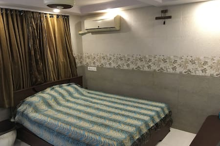 Studio Apartment for two in Bhandup west - Condominium